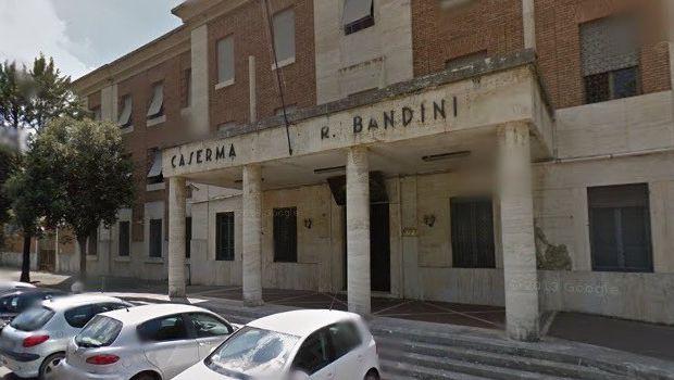 Siena: Le famiglie del 186° Reggimento Folgore e l'ANPDI donano 1.600 mascherine al policlinico Santa Maria alle Scotte diSiena