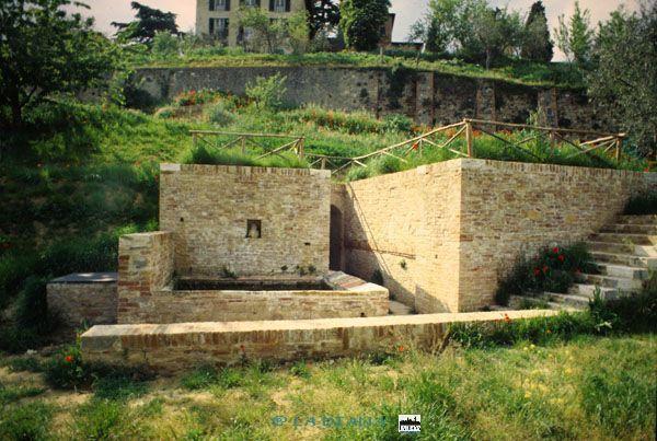 Siena: Visite guidate dell'associazione La Diana alla Fonte delleMonache