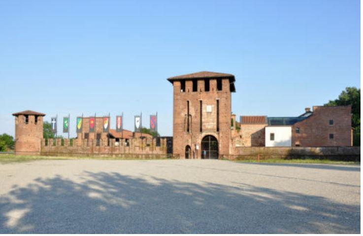 Legnano, Legnanesi a spasso dietro al Castello: sanzionati perchè sul territorio sanvittorese quindi fuoricomune