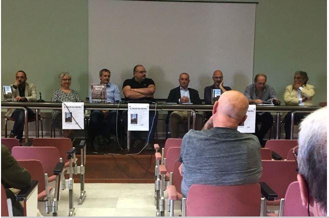 """Palio di Siena: Presentato il libro fotografico """"Il Palio dadietro"""""""