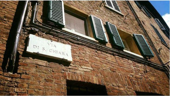Angoli pittoreschi di Siena: Via SantaChiara