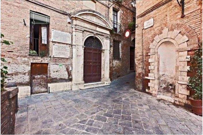 Angoli pittoreschi di Siena: Vicolo degliArchi