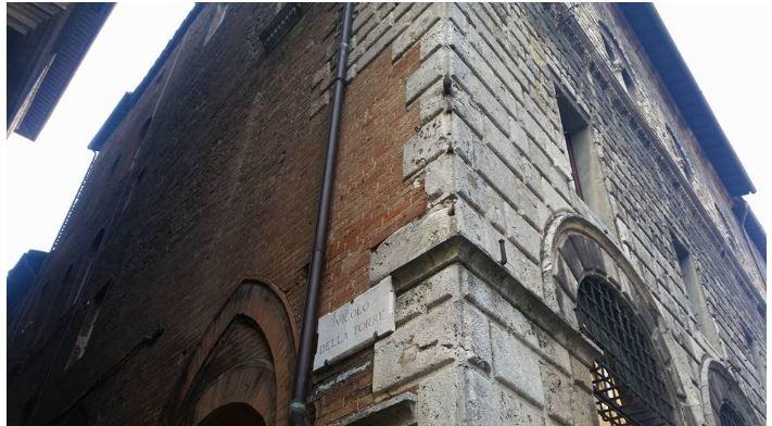 Angoli pittoreschi di Siena: Vicolo dellaTorre