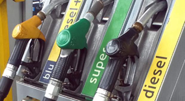 Toscana: Benzina con olio, affari d'oro in emergenzaCovid