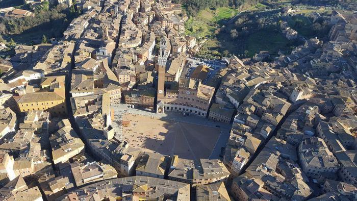 Siena: 'Le scoperte' delle famiglie senesi. Passeggiando di notte nellastoria