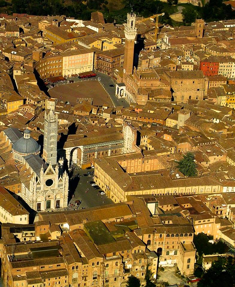 Siena, Storia di Siena, 12 aprile 1717: Violante Beatrice di Baviera entra inSiena