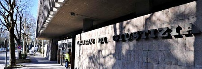 Siena, Tentata violenza sessuale nel bar, Gip non convalida l'arresto: Aggressore tornalibero