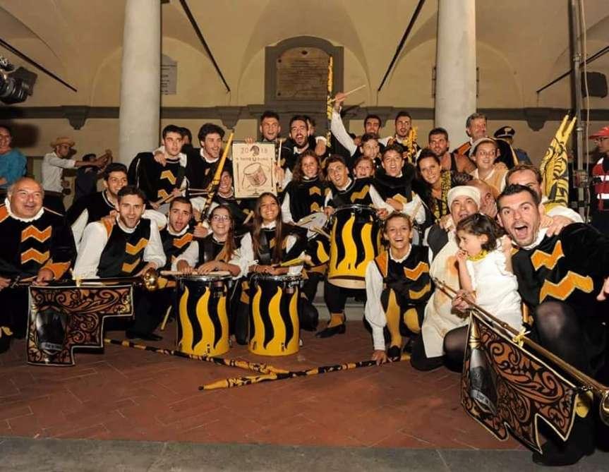 Palio di Bientina: Vince, il premio Tamburini la Contrada… VIAREELLAAAAAAAAA!