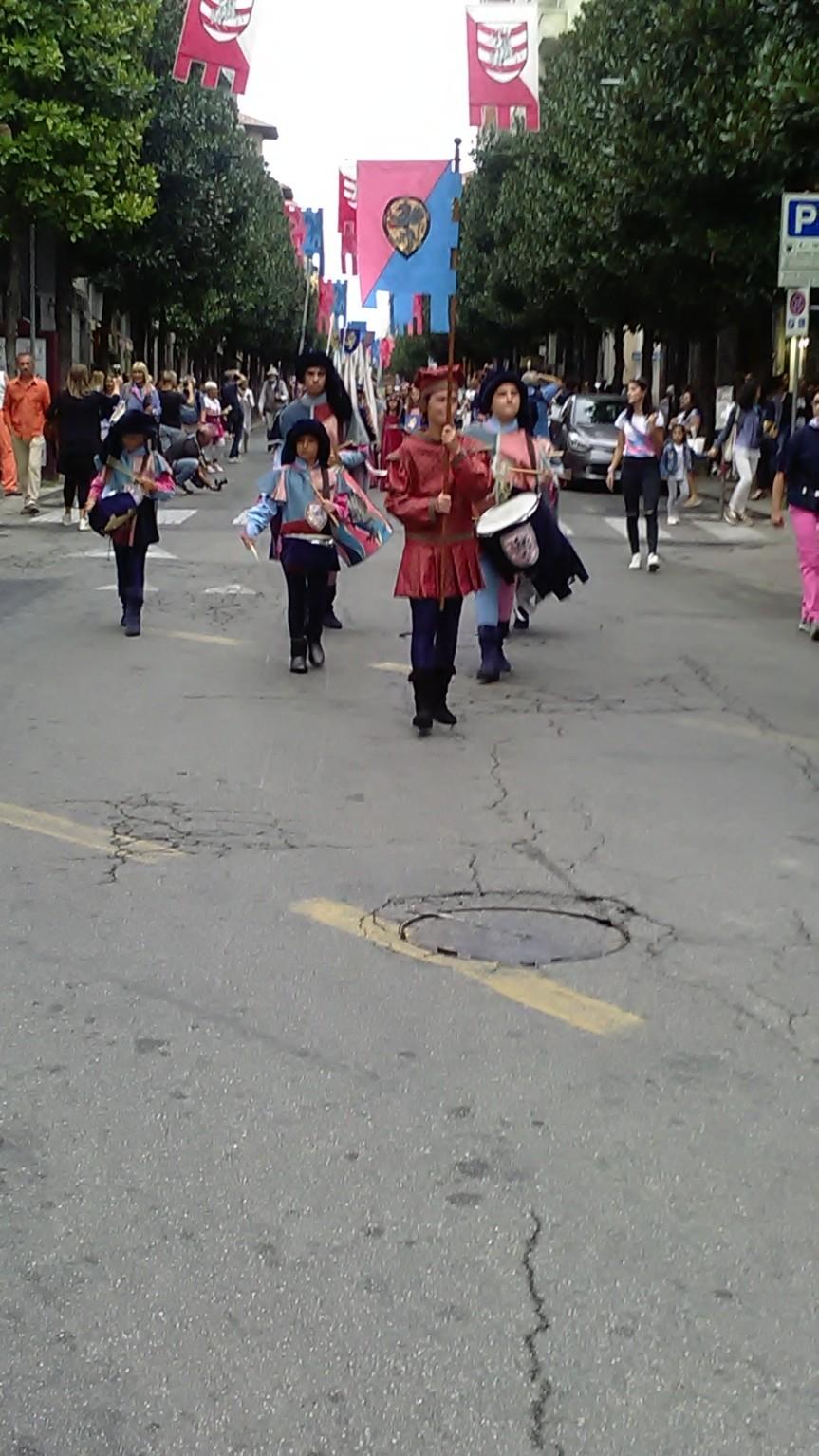 Palio di Asti, Borgo Santa Maria Nuova: Corteo per le strade delBorgo