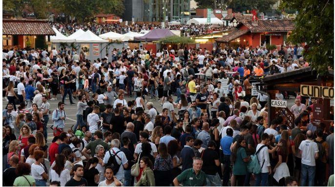 Asti: Festival delle Sagre, nel centro di Asti la Sfilata delle Contadineriefotogallery