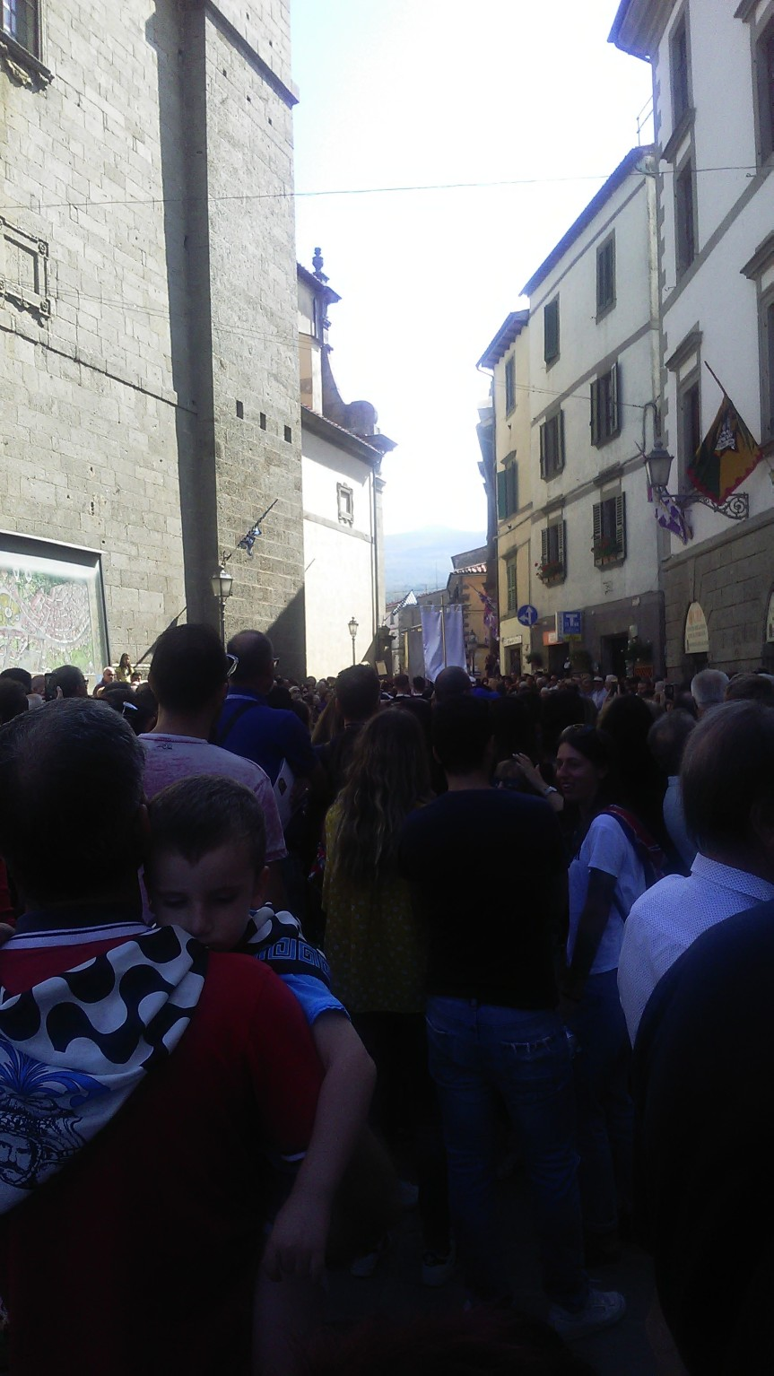 Palio di Castel del Piano: In corso di svolgimento la Sfilata delleContrade