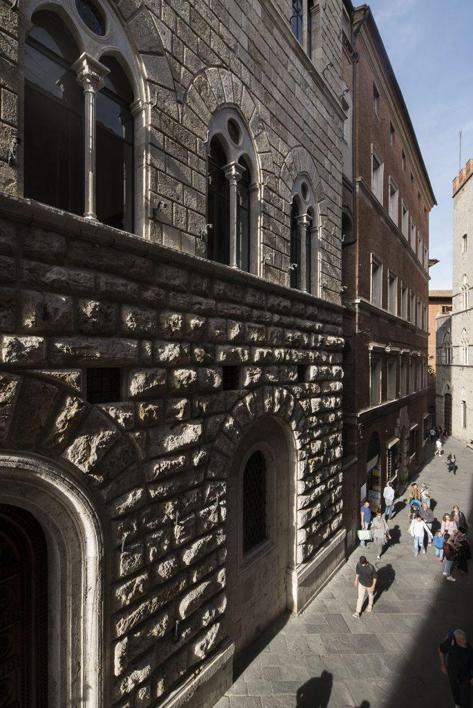 Siena: Il Palazzo delle Papesse riapre le porte per la mostra di SalvadorDalì