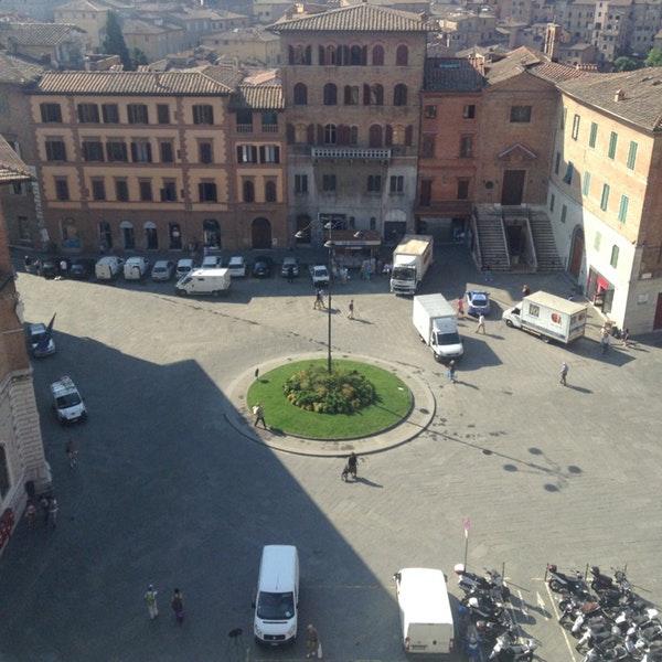 Siena e Provincia: Rapolano Terme, giovedì Giunta riunita a Siena, davanti alla sede di Poste Italiane, per chiedere di riaprire l'ufficiopostale