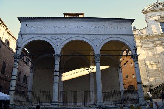 Siena: In consiglio comunale Micheli (Pd) ha chiesto notizie sulla destinazione degli spazi delle Logge del Papa. La risposta delsindaco