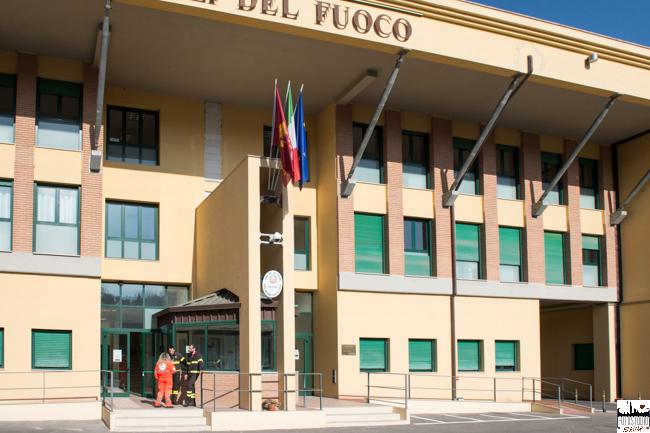 Siena: L'associazione Aquattromani consegna all'Immunoterapia oncologica il ricavato della vendita del calendario dei Vigili delFuoco