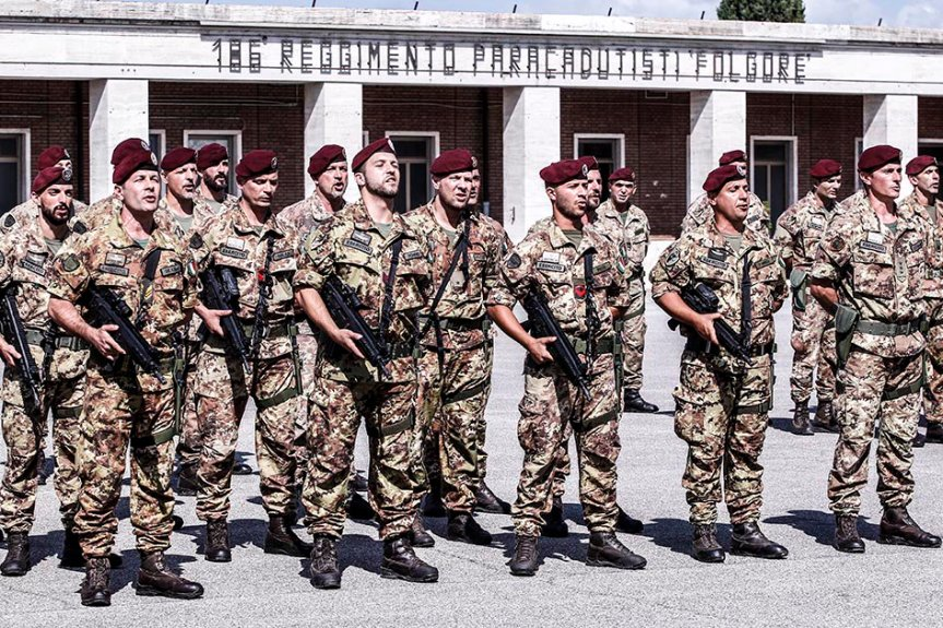 """Siena: Il 186° """"Folgore"""" in partenza perl'Afghanistan"""