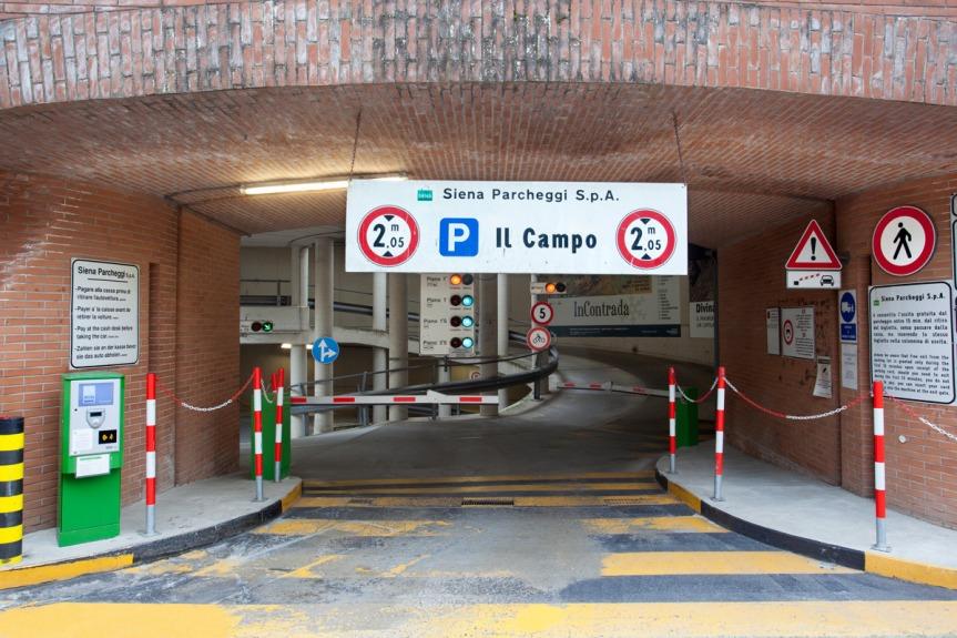Siena: Siena Parcheggi, in scadenza il pagamento abbonamenti2021