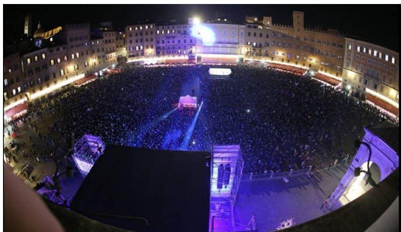 Siena: Capodanno a Siena, 20 anni di concerti gratis. Cominciò GianniMorandi