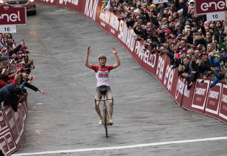 """Siena, Ciclismo: Il fascino delle """"Strade Bianche"""", i campioni si sfidano nella grandeclassica"""