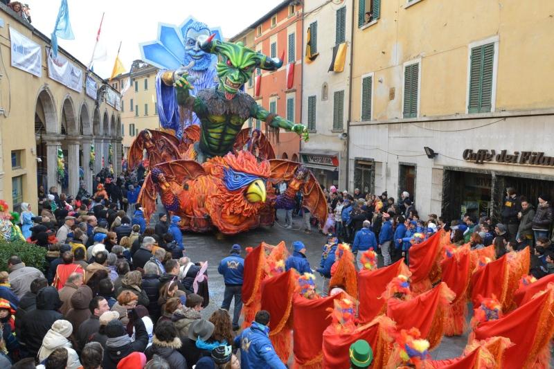 Provincia di Siena: Il cantiere Azzurri vince la gara delle mascherate dei Cantieri diFoiano