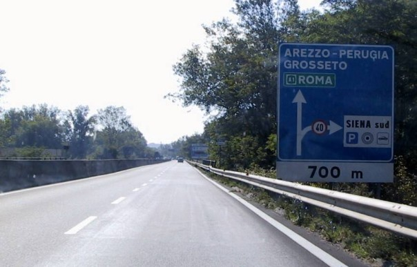 Siena, incidente sulla tangenziale: Traffico intilt