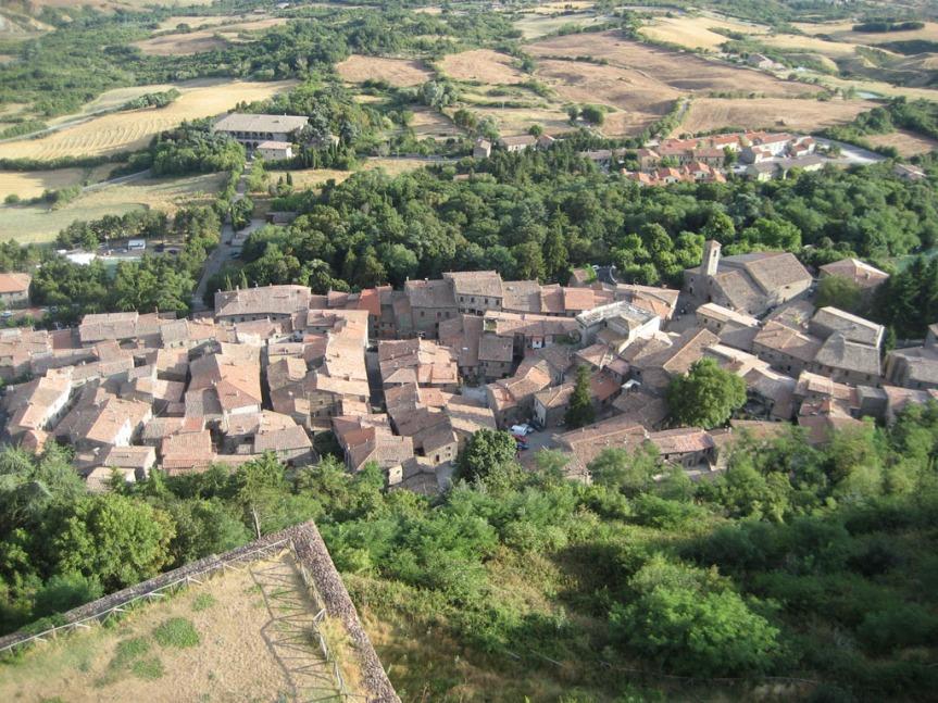 Provincia di Siena, Le tradizioni contadine a Radicofani: Festa con la trebbiatura e antichimestieri