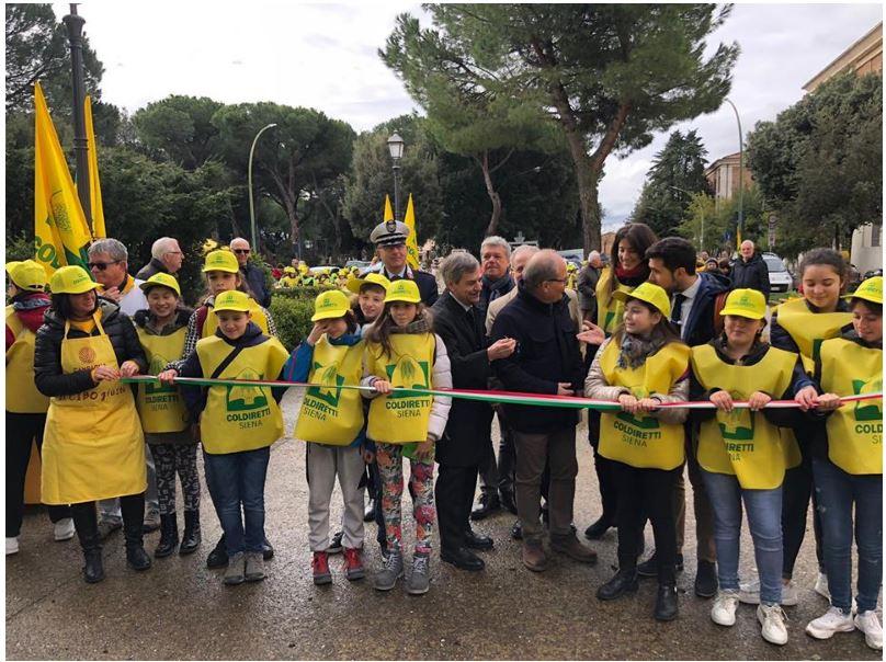 Siena, Coronavirus: Chiuso il mercato di Campagna Amica in PiazzaAmendola