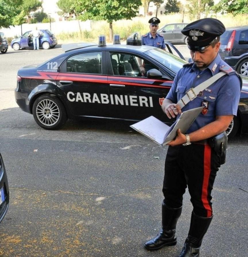 Siena, Rubano borsa all'interno di una pasticceria di Siena: Due donne incastrate dalle telecamere disorveglianza