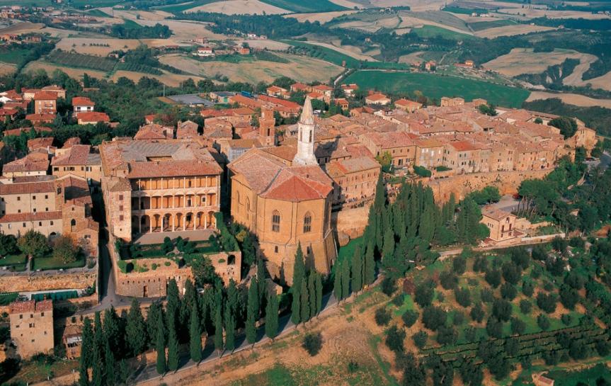 Provincia di Siena, Pienza mette in mostra le sue bellezze in un video: Un modo per invogliare i turisti a fare unviaggio