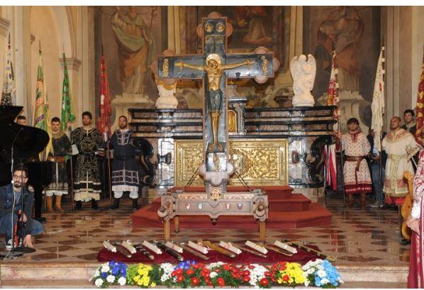 Palio di Legnano, La tradizione si rinnova: In Basilica di San Magno la cerimonia della Veglia dellaCroce