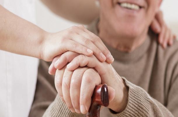 Italia: Covid, via libera alle visite agli anziani inrsa