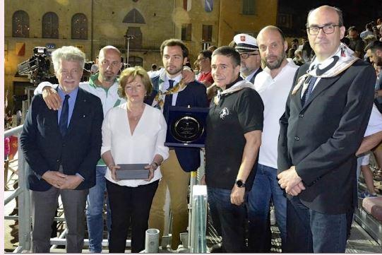 """Arezzo, Giostra del Saracino, Brividi biancoverdi. Vittoria nella Prova dedicata a Bonacci. Il deb Bruni: """"E' per miopadre"""""""