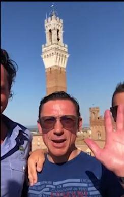 Ippica: Il fantino Frankie Dettori ha organizzato un raccolta fondi in aiuto dell'italia per combattere ilCoronavirus