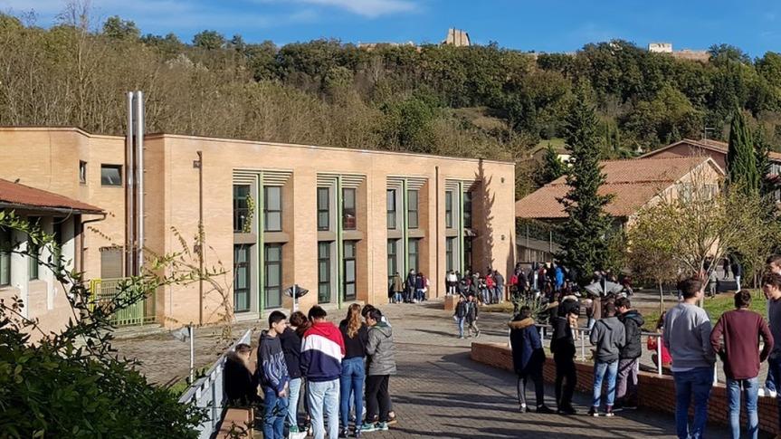 """Provincia di Siena: La voce del Roncalli"""", il lavoro degli studenti con la vita al tempo delCovid"""