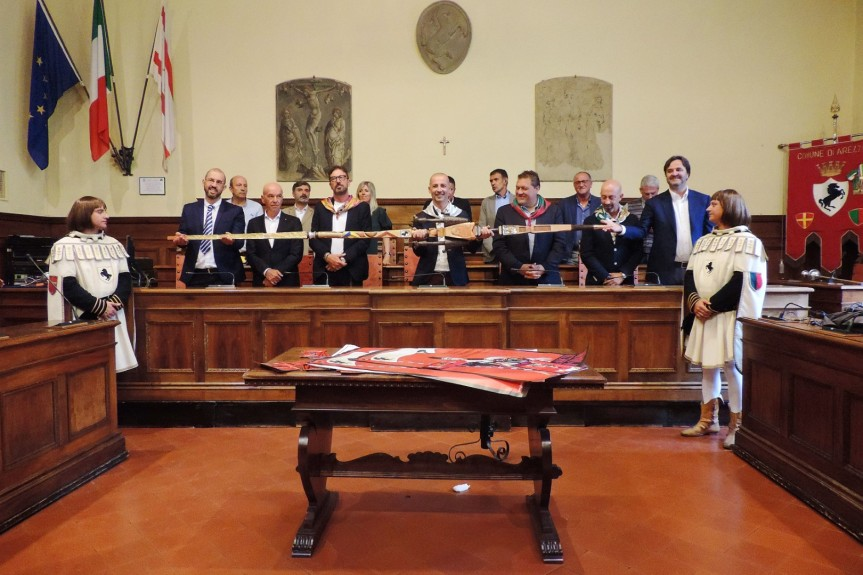 Arezzo, Giostra del Saracino: Oggi 24/08 alle ore 11.00 presentata la 139^ Lanciad'Oro