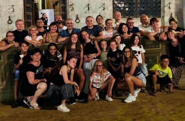 Palio di Siena: Legnanesi in vacanza sultufo