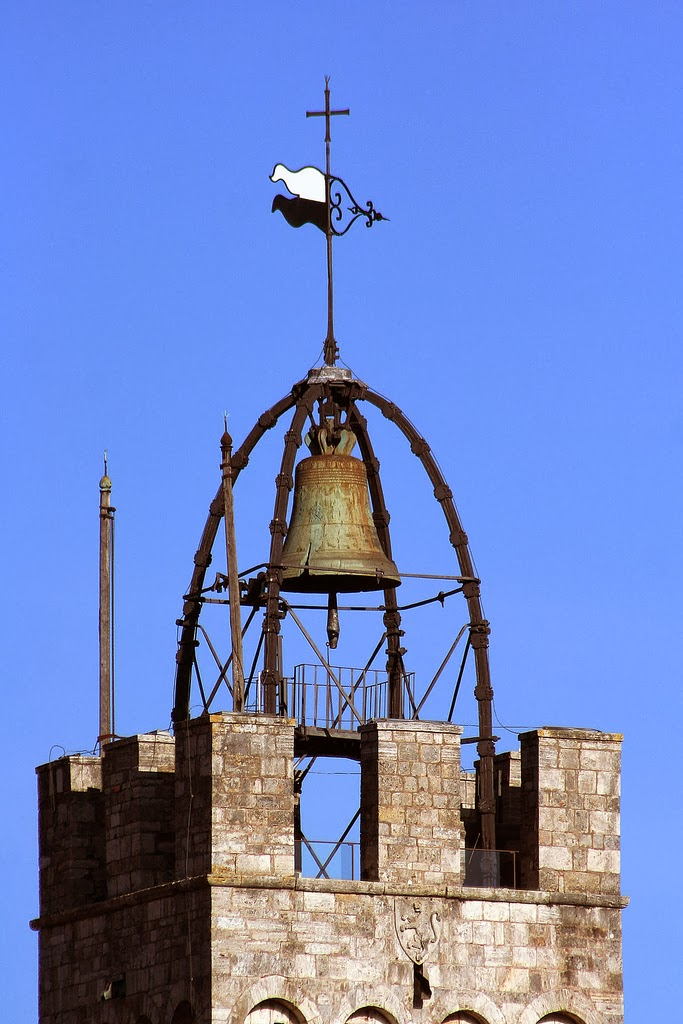 Siena: Drone in Piazza del Campo, il bandierino èlibero