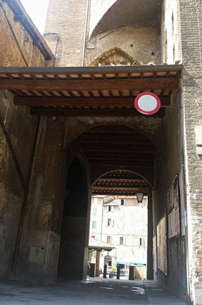 Siena, Vicolo di Pescheria, avanza il degrado: Via ai lavori diripristino