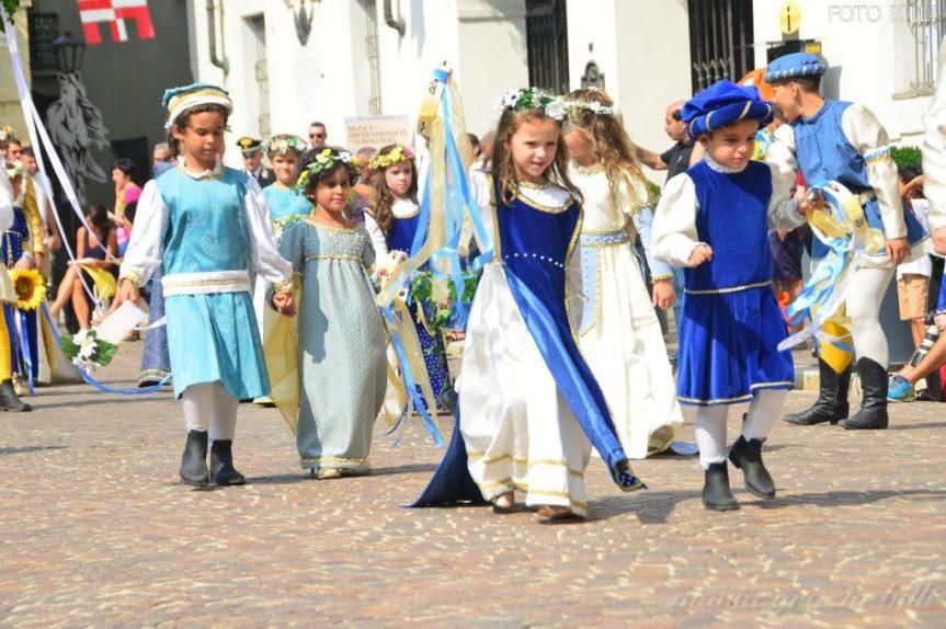 Palio di Asti: Emozioni e applausi alla sfilata deibambini