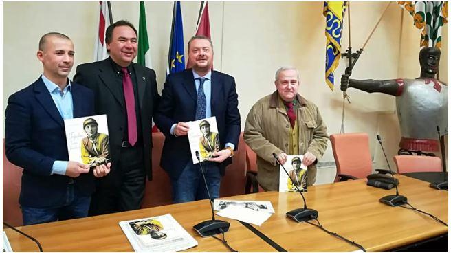 """Arezzo: Nuovo riconoscimento per il libro dedicato a """"Tripolino"""", il giostratore più vittorioso nella storia della Giostra delSaracino"""
