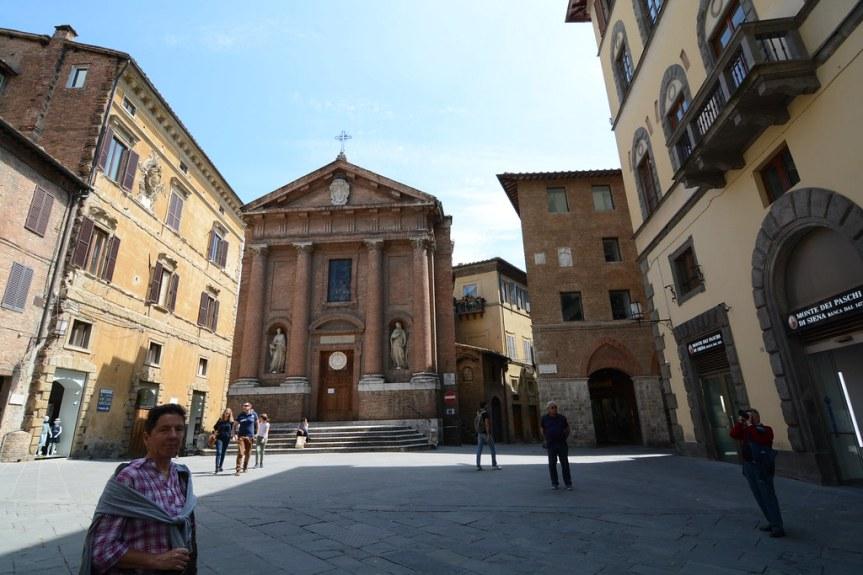 Siena: Ruba i soldi delle offerte in chiesa, arrestato un42enne