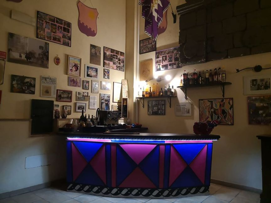 Palio di Castel del Piano, Contrada Borgo: Rinnovato i bar diContrada