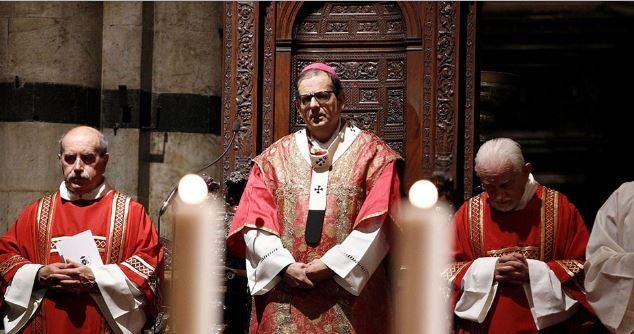 Palio di Siena: L'arcivescovo Lojudice celebra la funzione per la patrona della contrada delValdimontone