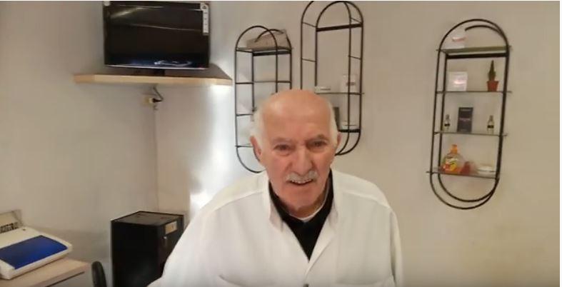 Siena: Il video di saluto del barbiere di Pian dei Mantellini Mario Meniucci durante il suo ultimo giorno dilavoro