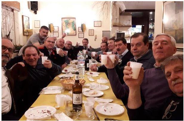 """Palio di legnano, Contrada Sant'Ambrogio: Oggi 19/12 I """"Mattacchioni"""" anticipano il pranzo diNatale"""