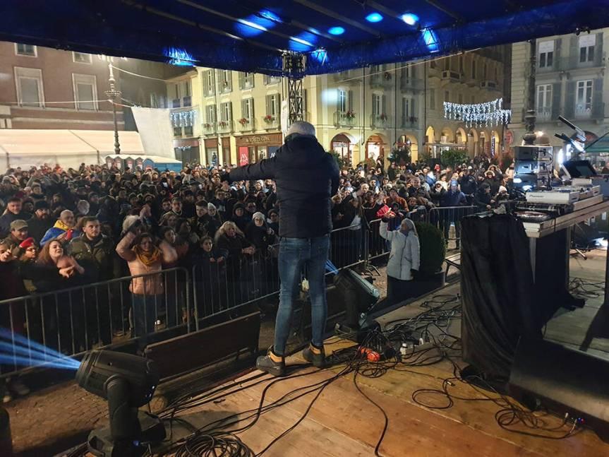 Asti: Pienone in Piazza San Secondo per festeggiare l'arrivo del2020