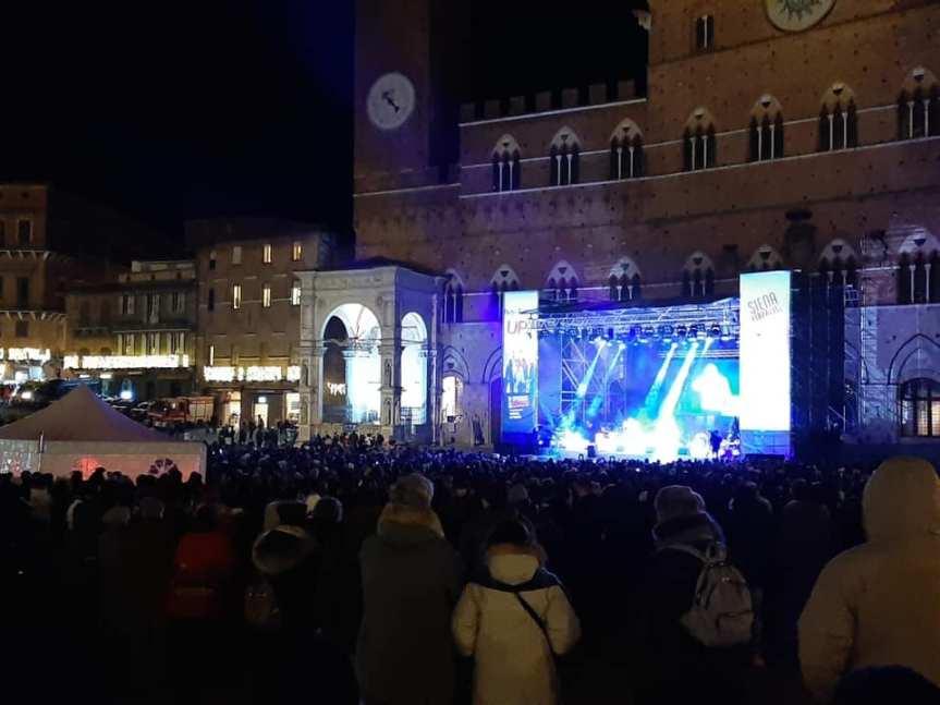 Siena: Il Capodanno in Piazza del Campo con lo spettacolo di PaoloRuffini