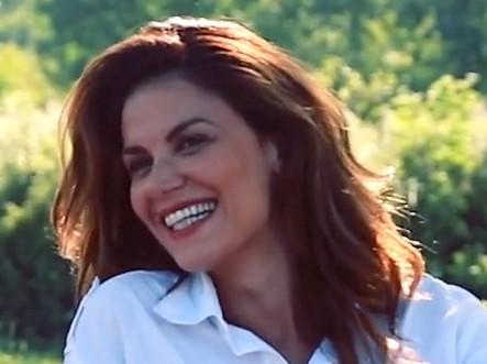 """Siena, La modella e conduttrice turca Tulin Sahin chiama la figlia Siena e spiega: """"E' il posto dove sonorinata"""""""