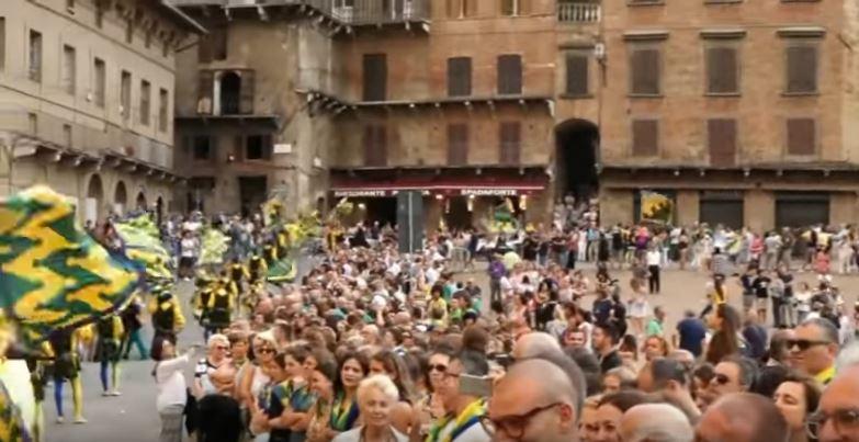 Palio di Siena: Siena 8 luglio 2018 corteo contrada delBruco