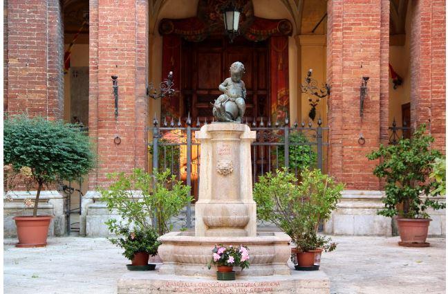 Siena: La storia della fontanina della Chiocciola (ed una doverosarettifica)